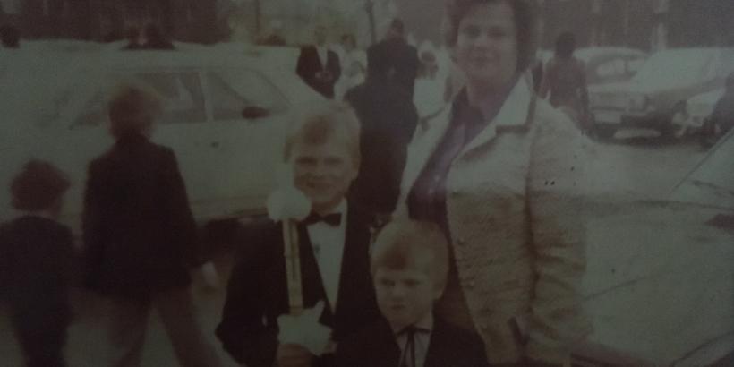 Teil-Familie 1973 in Castrop-Rauxel, Papa war wohl auf Zeche arbeiten, Foto knipste eine Tante.