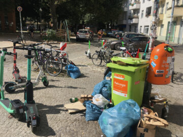 Müll- und Scooter-Chaos in Neukölln